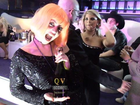 Champagne_qv_discobitch_clip